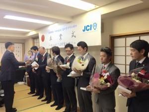 卒業式(花束贈呈)